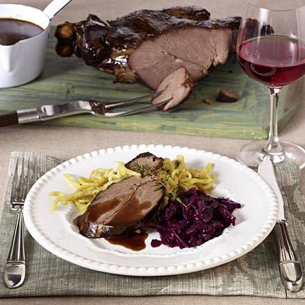 Leg of venison with red cabbage, elderberry sauce and spaetzle (leg of venison four times different)