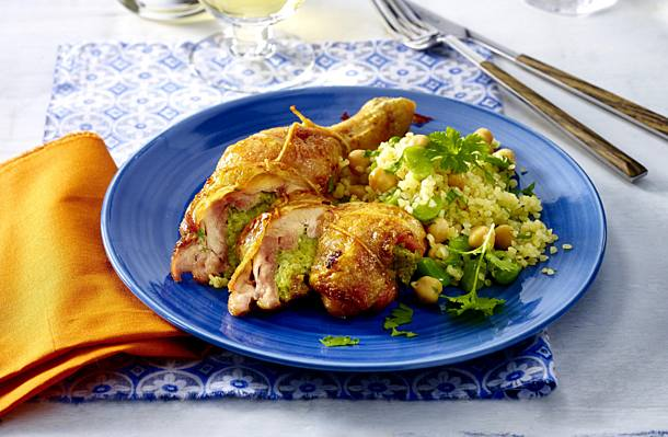 Stuffed chicken legs with beans and bulgur salad