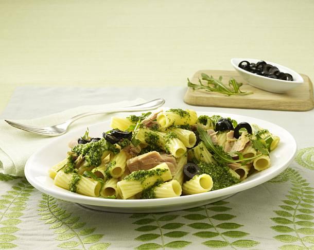 Tortiglioni with tuna sauce (pasta sauce)