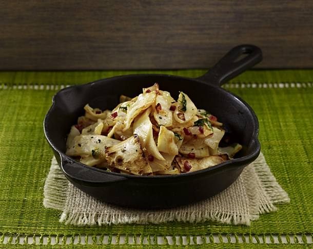 Fried celery with onions and ham