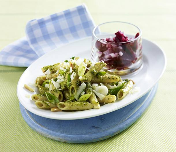 Whole grain penne with parsley pesto with beetroot salad