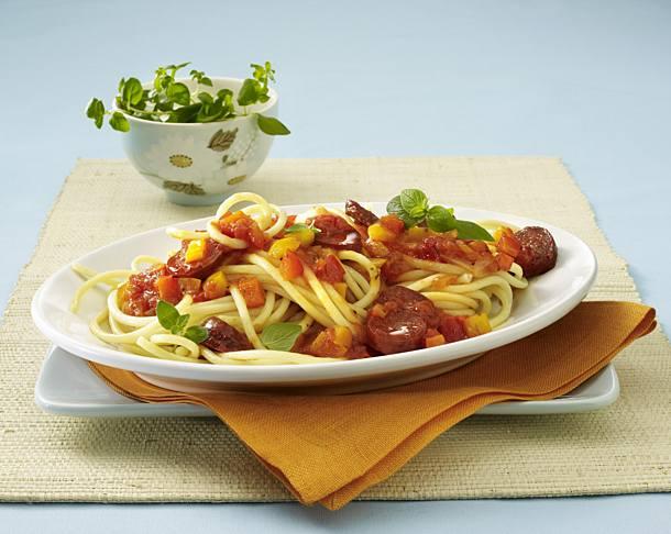 Macaroni with hot paprika sauce (pasta sauce)