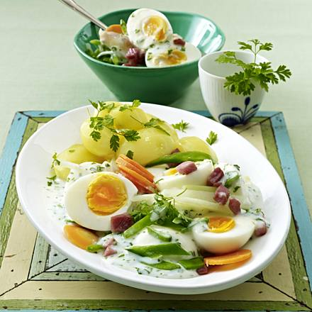 Spring egg ragout with diced ham