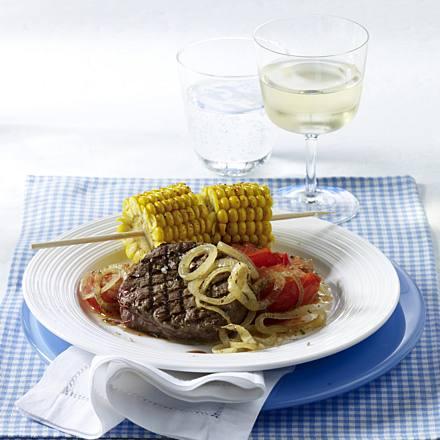 Fillet steaks with summer vegetables