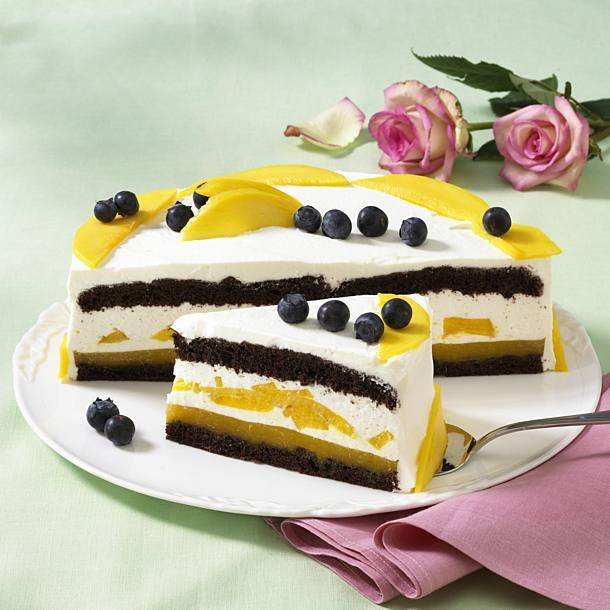 Mango and blueberry cake