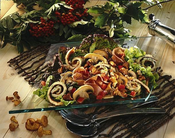 Mushroom salad with herb patties