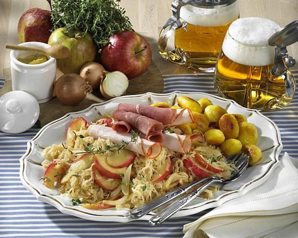 Sauerkraut platter with mixed cold cuts