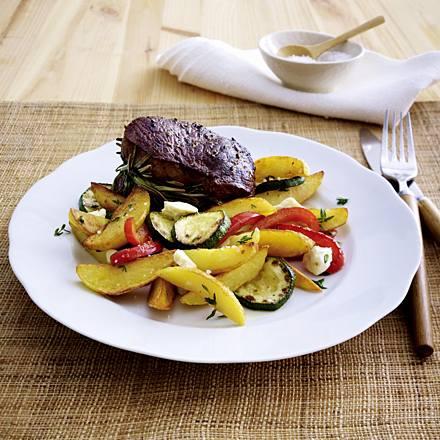 Crispy potato pan with rosemary steak