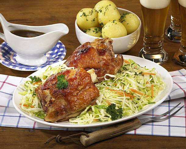 Pork knuckle with coleslaw