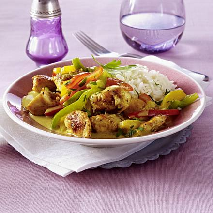 Chicken curry goulash with paprika