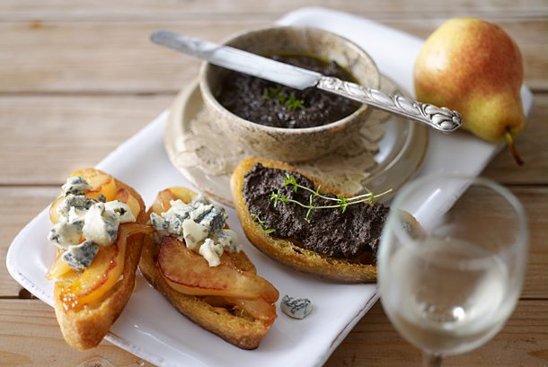 Crostini with olive cream and with pear Gorgonzola