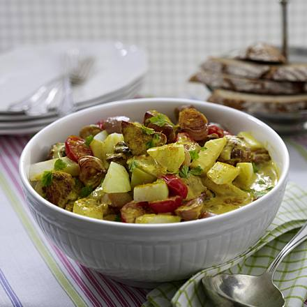 Pork ragout with kohlrabi in curry sauce