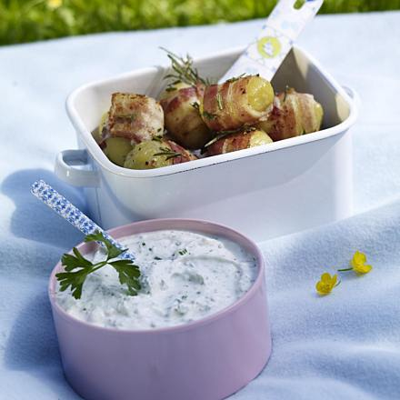 Rosemary bacon potatoes with herb quark
