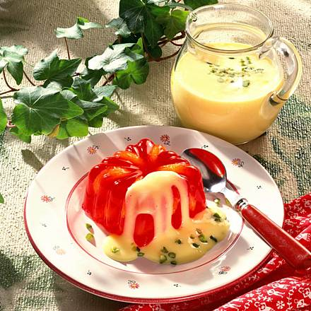 Jelly with mandarins and vanilla sauce
