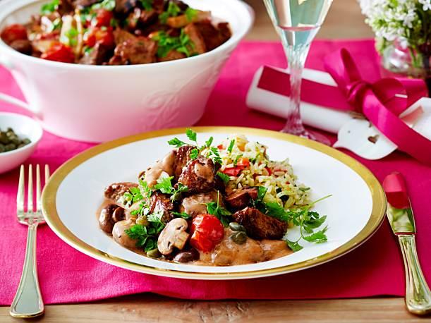 Fillet tip ragout and paprika pesto rice