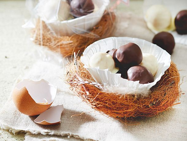 Two types of egg liqueur pralines